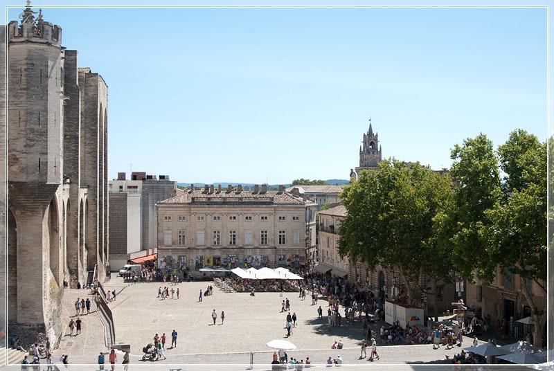 Площадь папского дворца