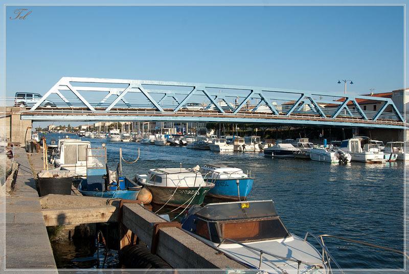 Большой мостик в порт