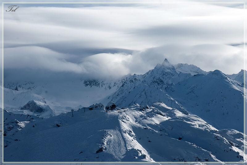 Облака, белогривые лошадки