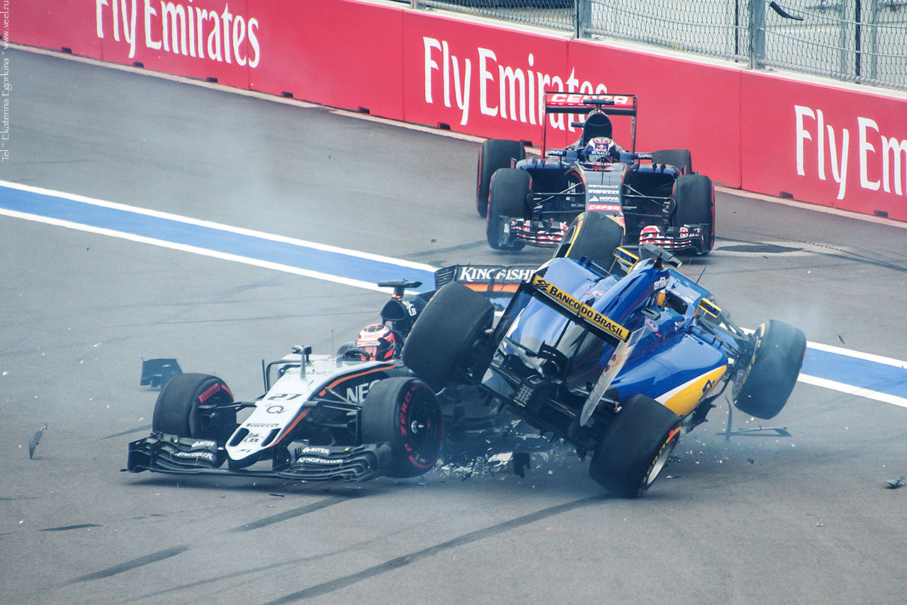 Фото: Формула-1 в Сочи. Старт.