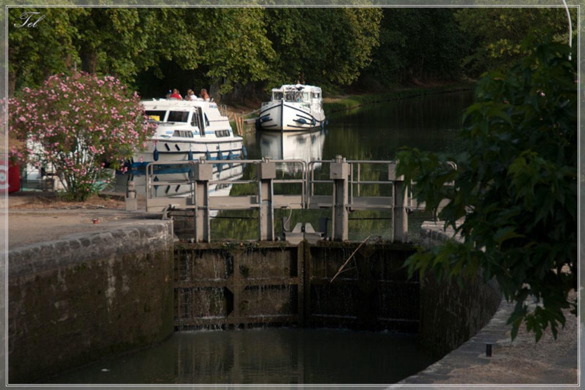 На лодке по du Midi. День третий. Большой порт.